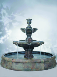 Finial_Spill_Fountain_in_Crested_Pool_